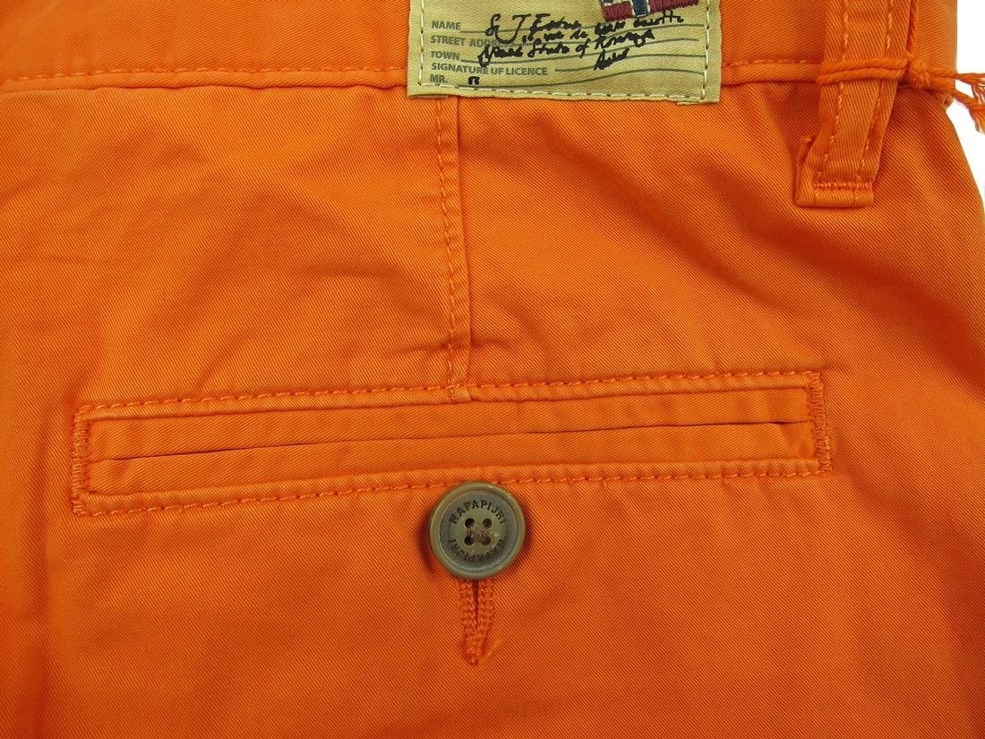 ... NAPAPIJRI Nayerou Herren Men Shorts Kurz Hose Chino Bermuda Orange Neu  New Logo Click to zoom 4271073f31